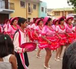 Farbenfrohe Tänze